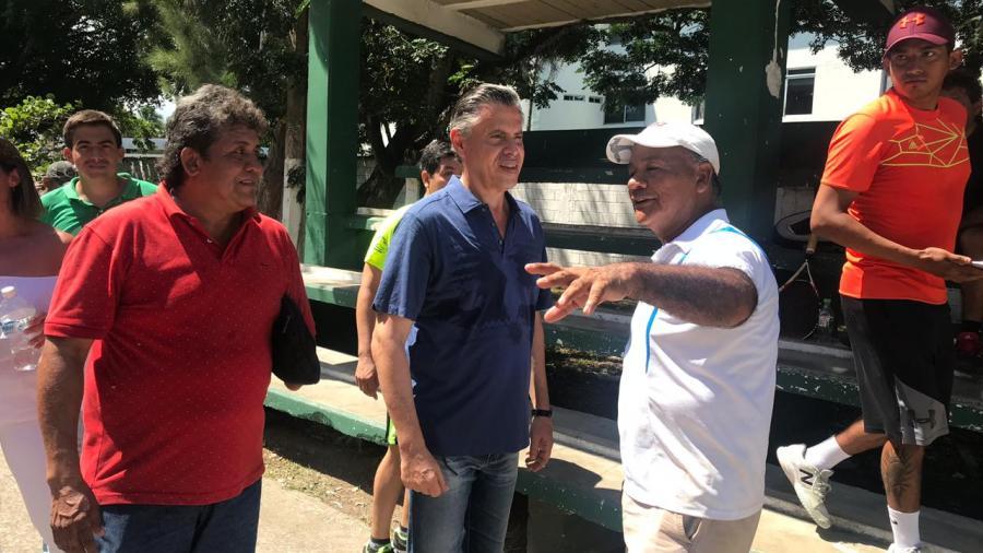 Se compromete Chucho Nader a Modernizar la Unidad Deportiva