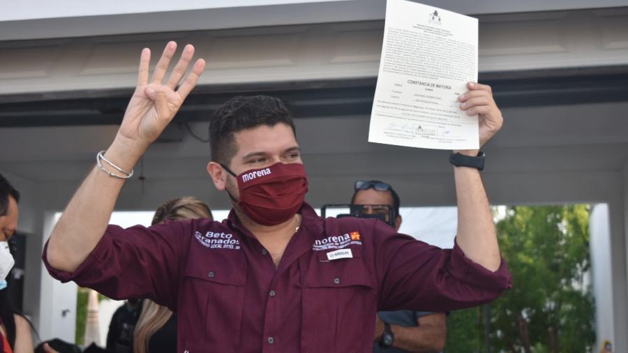 Alberto Granados recibe constancia como diputado local electo del Distrito 10 de Matamoros