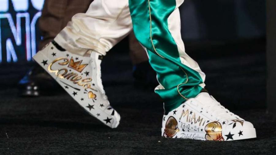 ¡Un lujo! Esto cuestan los tenis Dolce & Gabbana personalizados del 'Canelo'