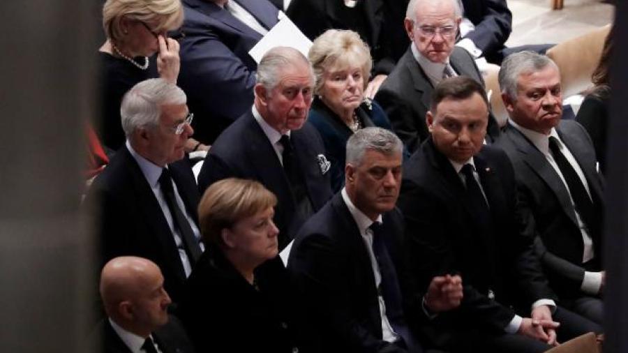 Asiste Salinas de Gortari a funeral de Bush en Washington
