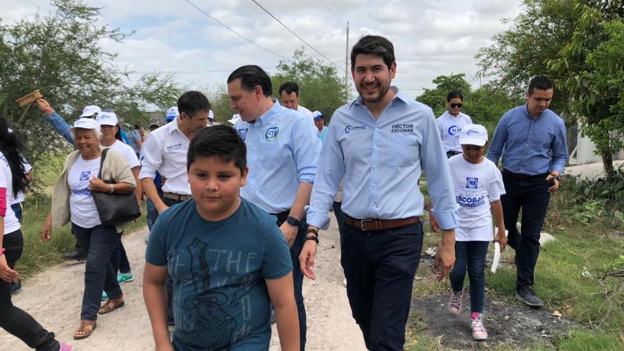 Legislaré para mejorar la infraestructura de las colonias del distrito X: Héctor Escobar