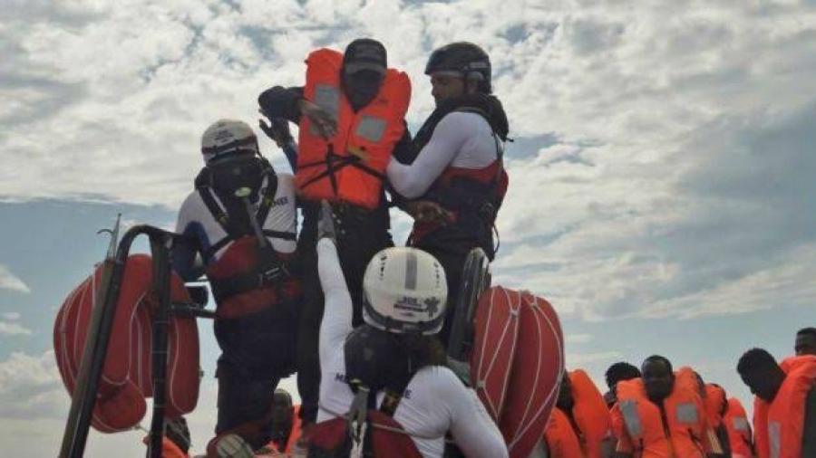 Italia autoriza desembarco de 82 migrantes del Ocean Viking en Lampedusa