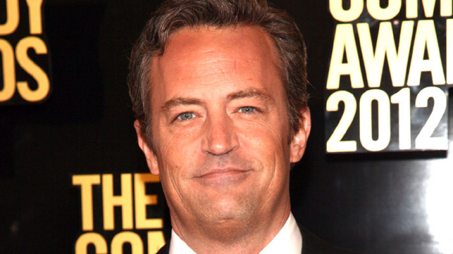 Operan de emergencia a Matthew Perry por perforación intestinal