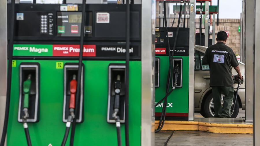 Avanza suministro de combustible en estados afectados: Pemex