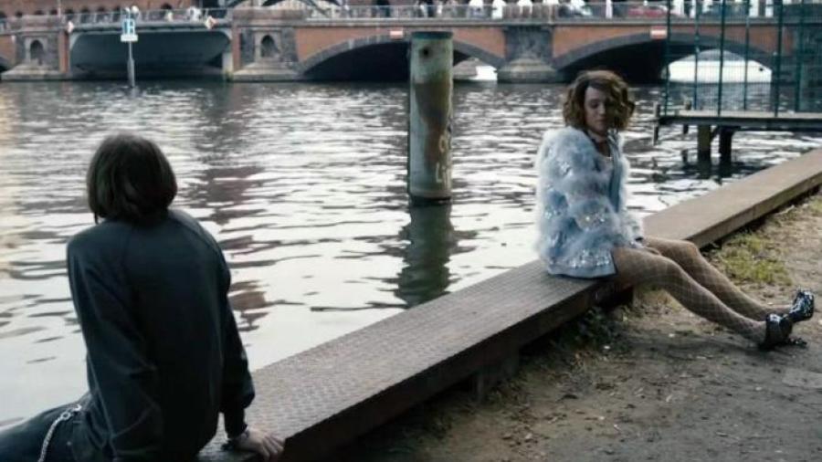 """Diego Luna interpreta a una mujer transexual en """"Berlin, I love you"""""""