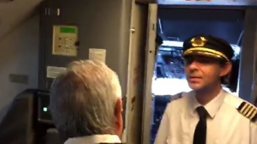 Aeroméxico solicita informe a piloto que pidió a AMLO reconsiderar Texcoco