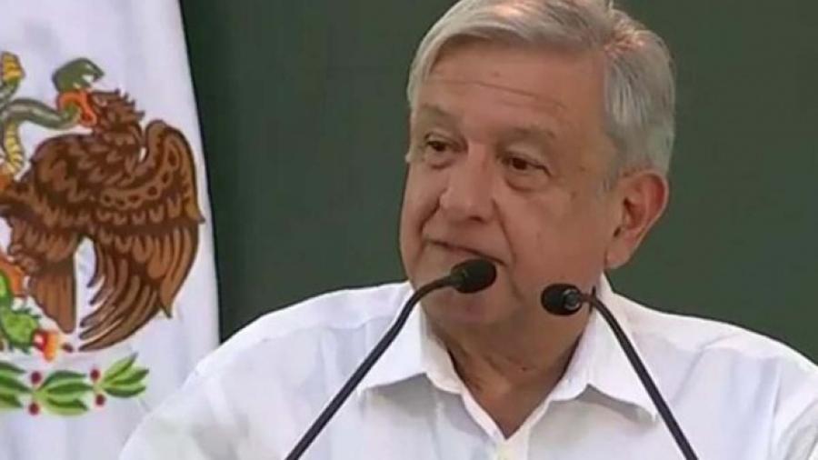 AMLO anuncia apoyos al campo y a jóvenes en Sinaloa