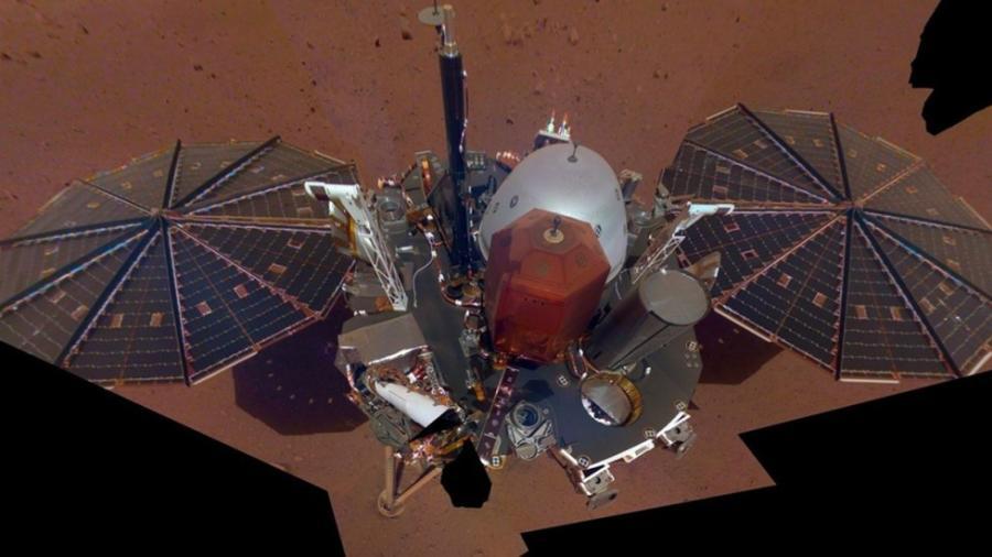 Sonda InSight de la NASA publica su primera selfie desde Marte