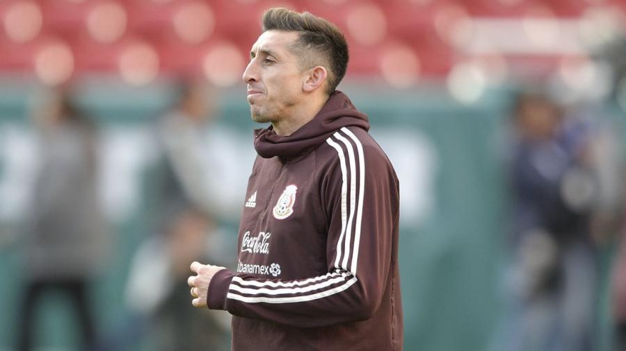 Héctor Herrera deja la concentración del Tri