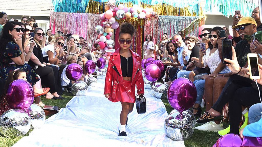 North West debuta en pasarela