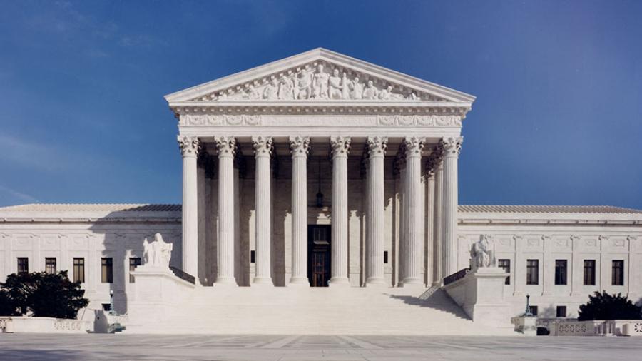 Corte Suprema rechaza demanda de Texas de prohibición de viajes a California por discriminación