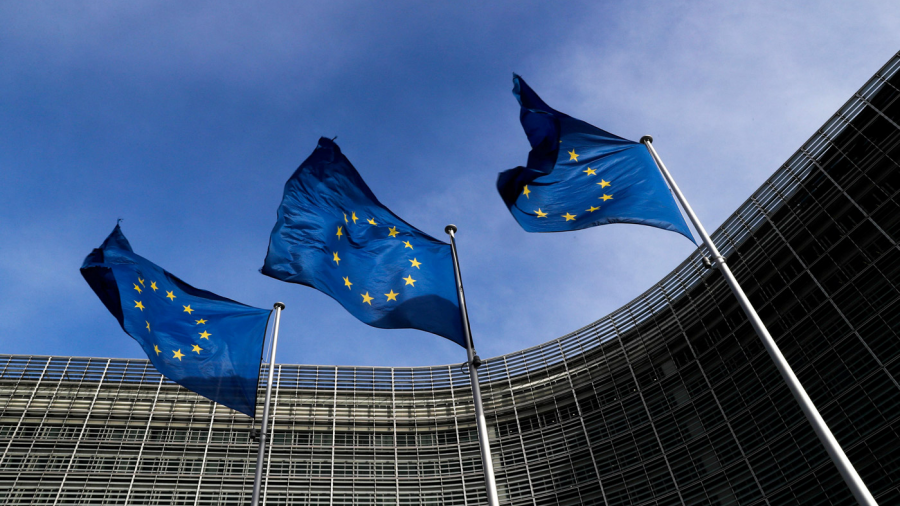 Europa busca concretar plan de plataformas de desembarco de inmigrantes