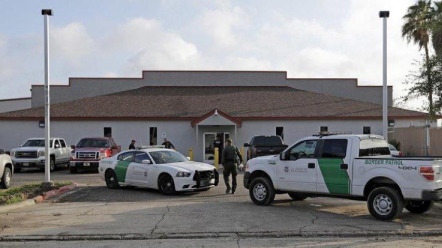 Encuentran a recién nacido en centro de detención en Texas