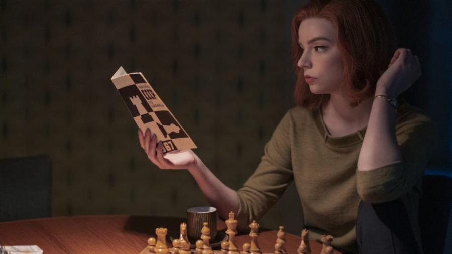 """""""Gambito de Dama"""" se convierte en la serie limitada más vista en Netflix"""