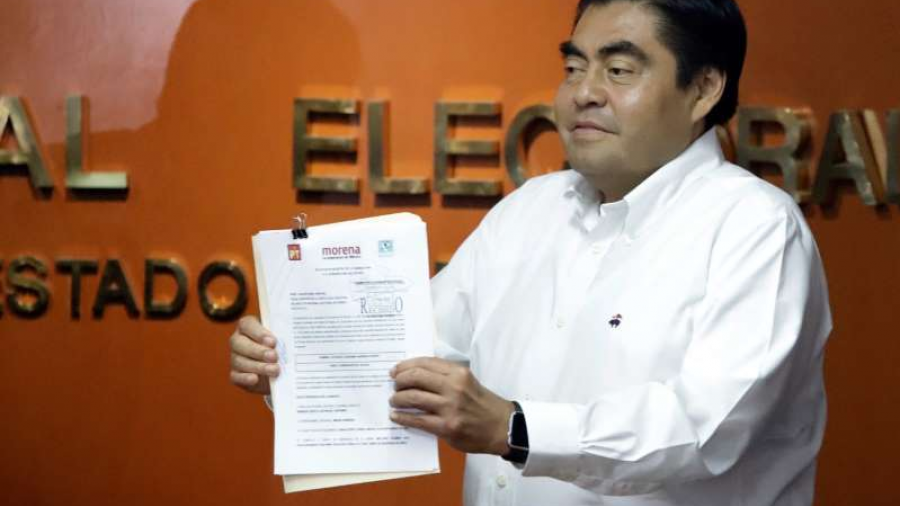 Ratifican candidatura de Miguel Barbosa en Puebla