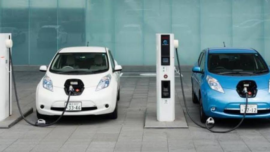 Noruega dejará de vender autos que usen gasolina en abril de 2022