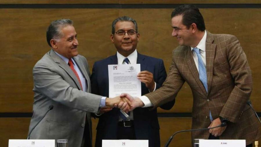 Alberto Jiménez se registra como candidato del PRI por Puebla