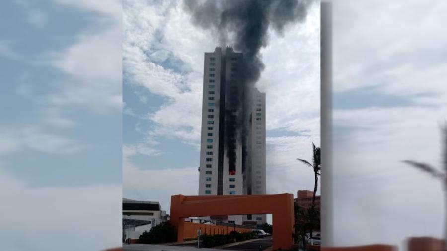 Se registra incendio en edificio de Boca del Río