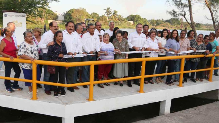 Adrián Oseguera da certidumbre a maderenses con obras hidráulicas