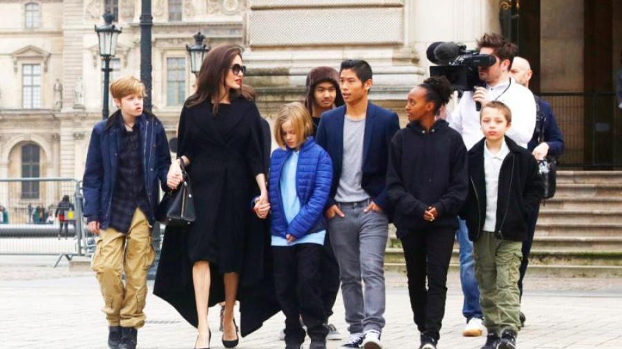 Angelina en riesgo de perder la custodia de sus hijos