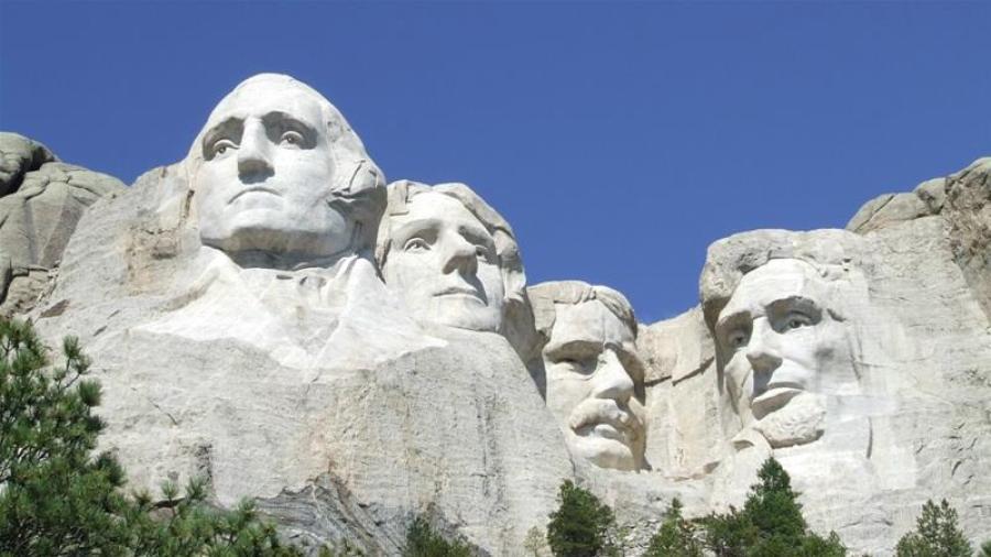 Trump visita Monte Rushmore para festejos del 4 de julio