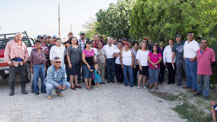 Vecinos apoyan con el mantenimiento de la Colonia Primavera