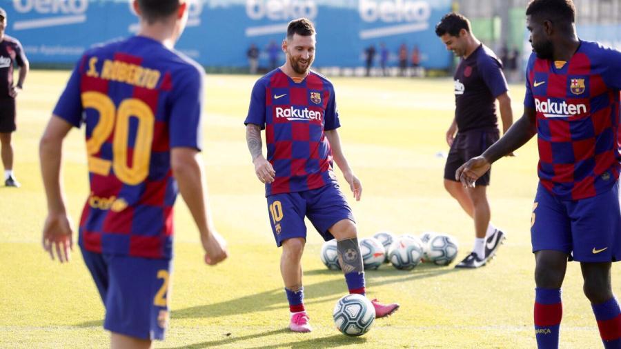 Messi ya se entrena con el resto del grupo
