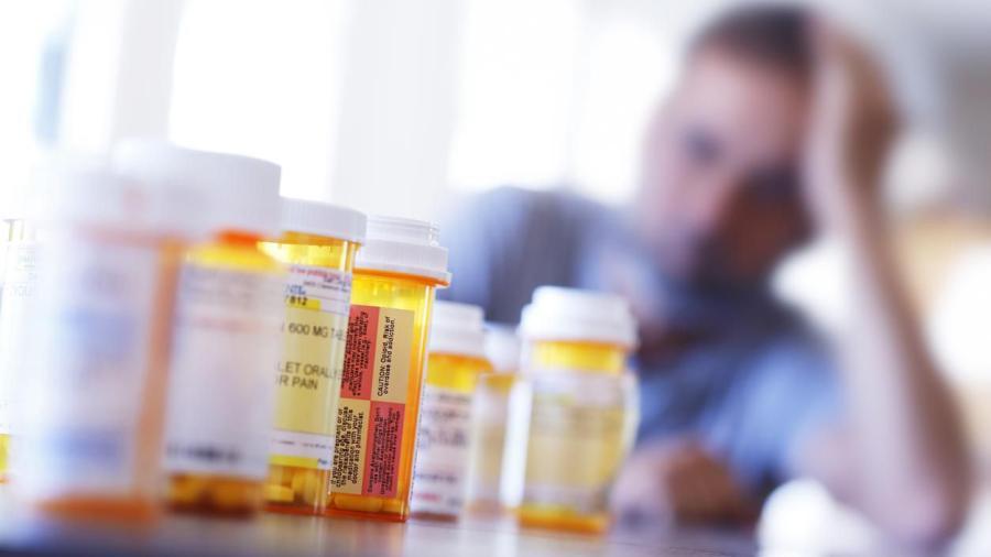 Farmacéuticas alcanzan acuerdo antes de juicio por opioides en EU