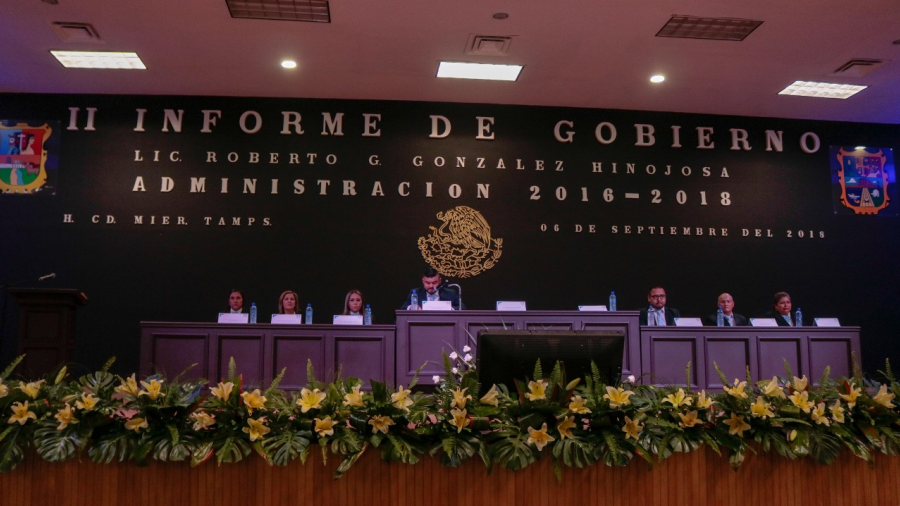 Asiste Maki a Informe del alcalde Roberto González en Cd. Mier