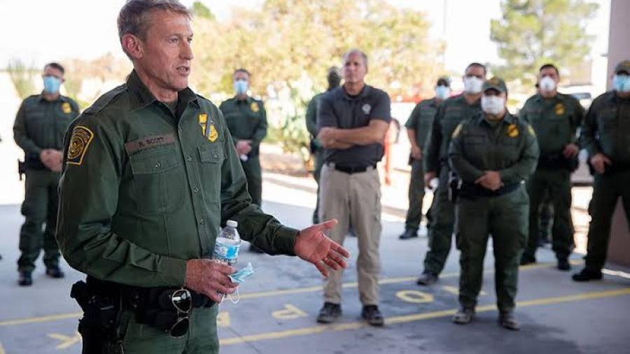 Patrulla Fronteriza contrata civiles para apoyar con situación migratoria