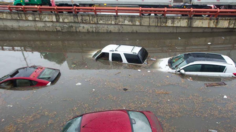 2 muertos tras fuertes lluvias en Monterrey