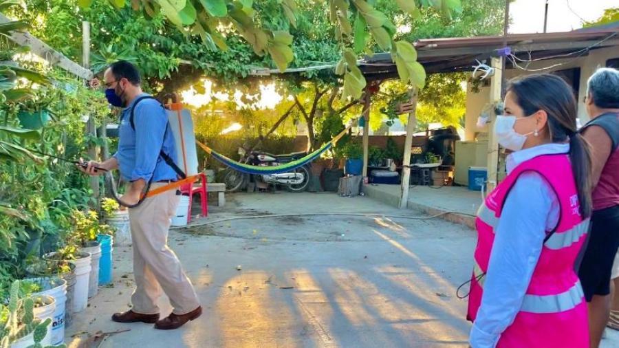 Mientras estemos en temporada de Dengue, seguiremos apoyando con fumigaciones: Ivette Bermea