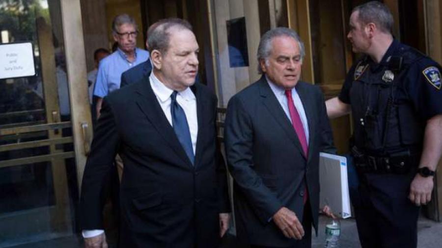 Pese a nuevos cargos, Harvey Weinstein logra libertad bajo fianza
