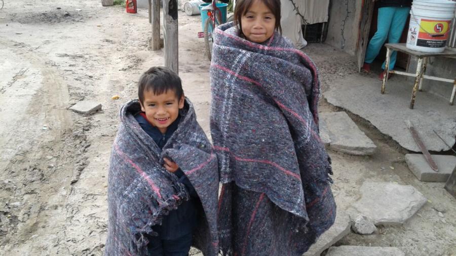 Refuerza Gobierno de Tamaulipas entrega de cobertores por frío