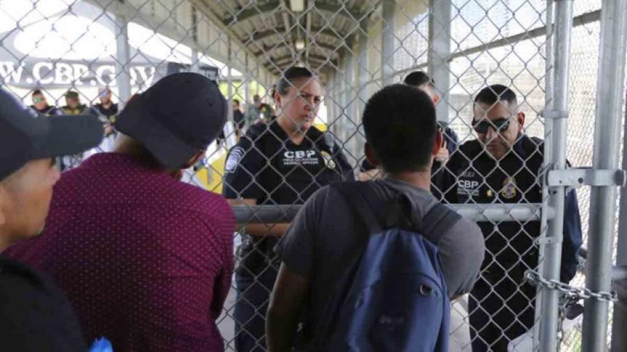 Migrante mexicano muere en custodia de EU por problemas cardíacos