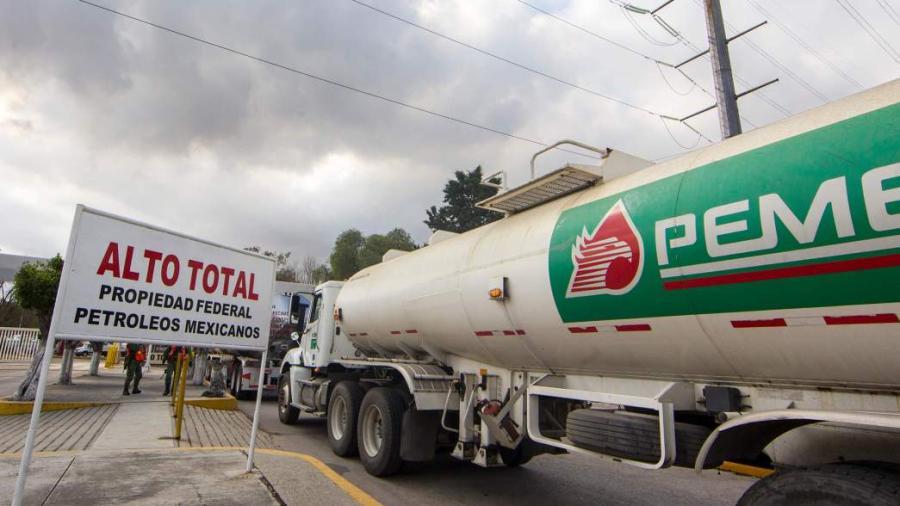 Medidas de apoyo anunciadas para Pemex son insuficientes: Fitch