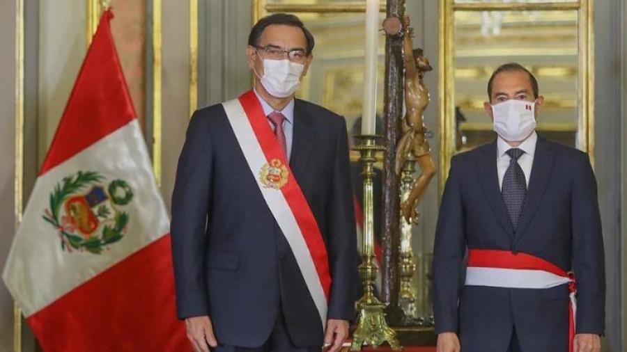 Presidente de Perú nombra al exmilitar como jefe de gabinete