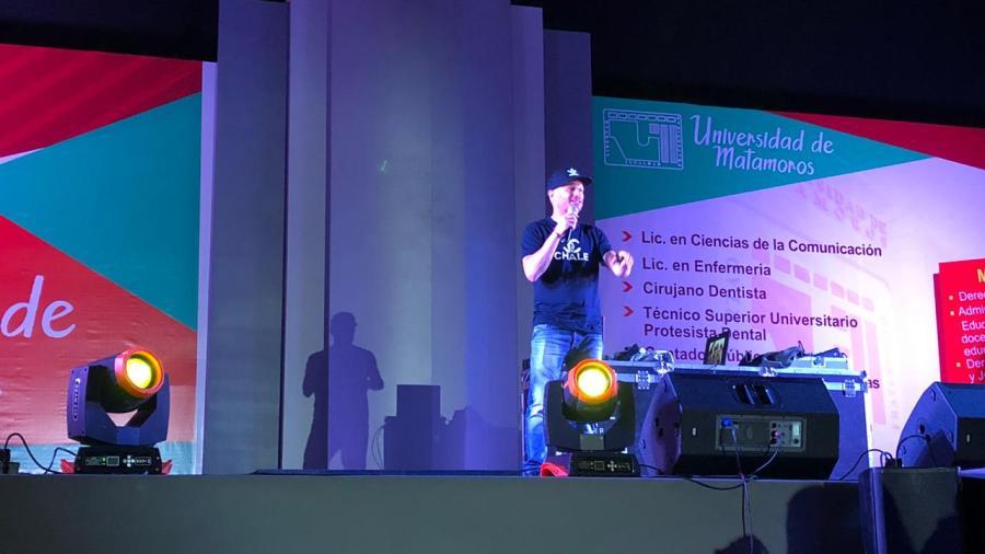 Facundo otorga conferencia en Matamoros