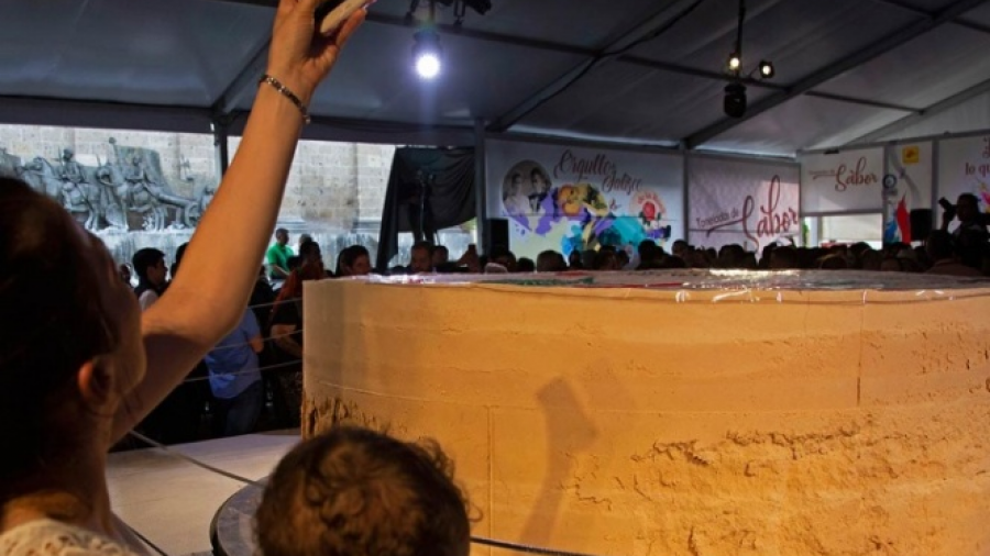 Y el Guinness para el mazapán más grande del mundo, es para México