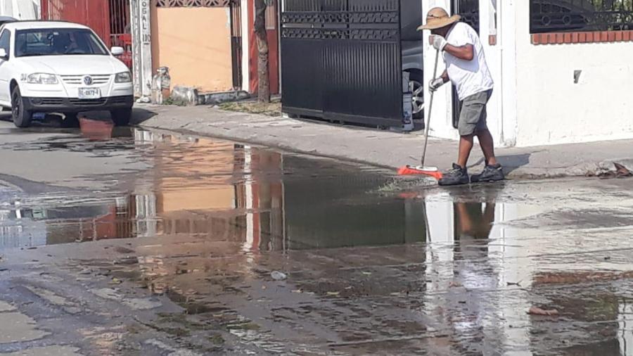 Escurrimiento de aguas negras genera incomodidad en el sector Arboledas de Altamira