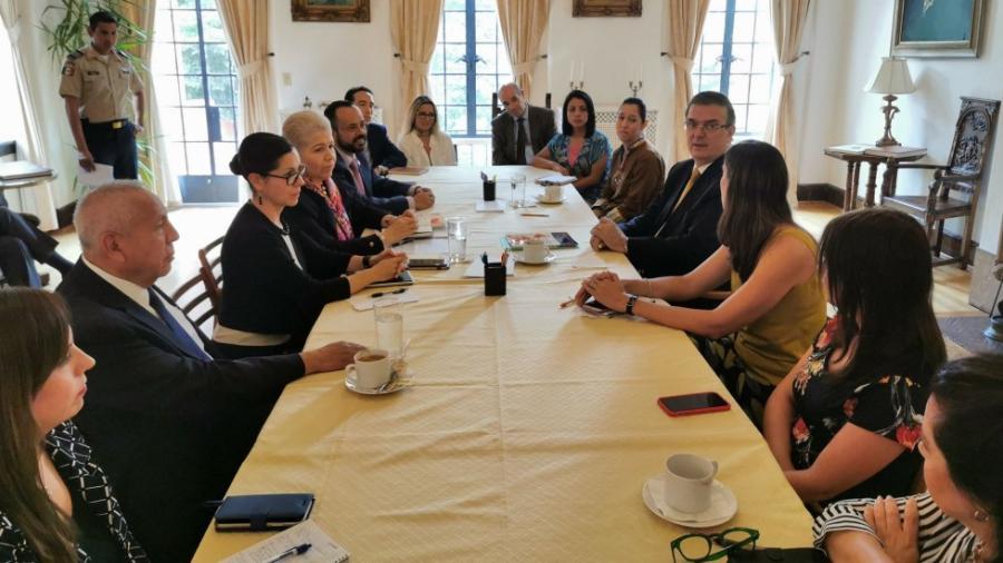 Marcelo Ebrard llega a Washington para su reunión con Mike Pence