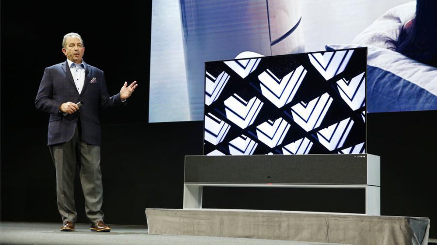 LG presenta la primera televisión enrollable