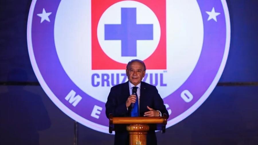 Remueven a Billy Álvarez de la Dirección del Cruz Azul