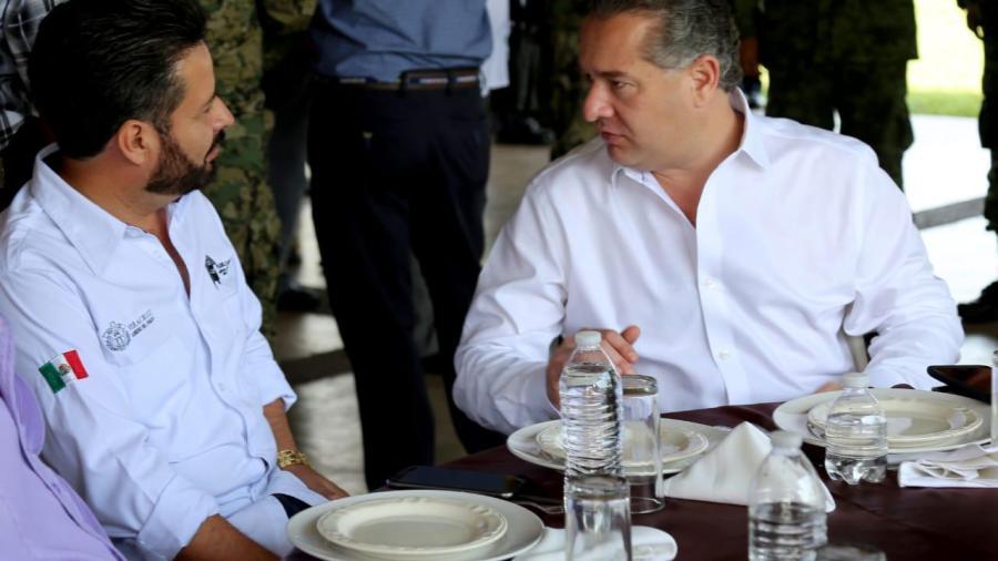 """Gestiona Oseguera reconfiguración del Paso """"El Zacate"""""""