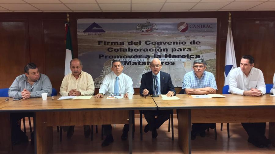 Firman convenio de promoción CANACO, CANIRAC y Hoteles y Moteles