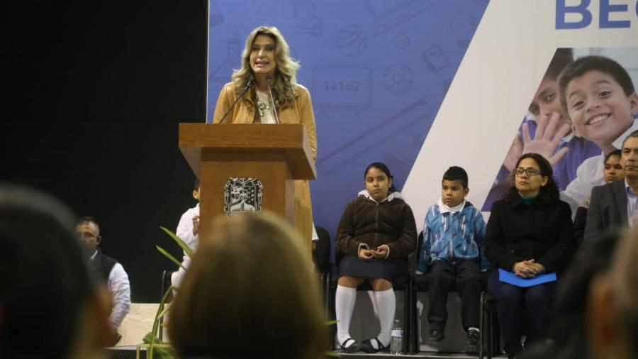 Destina Gobierno de Maki Ortiz 73 millones para estudiantes