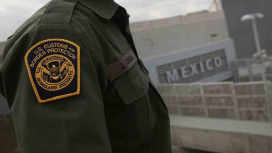 Migrante ataca brutalmente a agente de la Patrulla Fronteriza