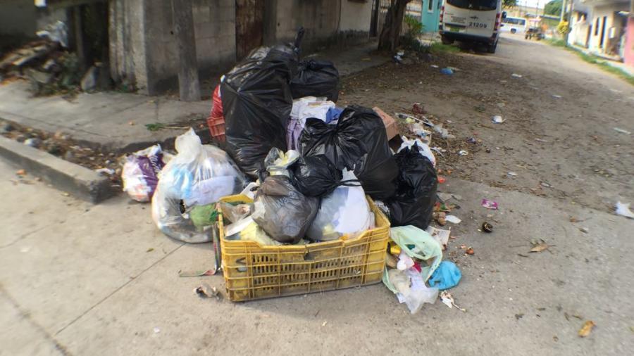 Proponen aplicar fuertes multas a quienes tiren basura en canales pluviales