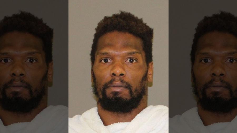 Detienen en Denton a ex jugador de la NFL por conducta criminal