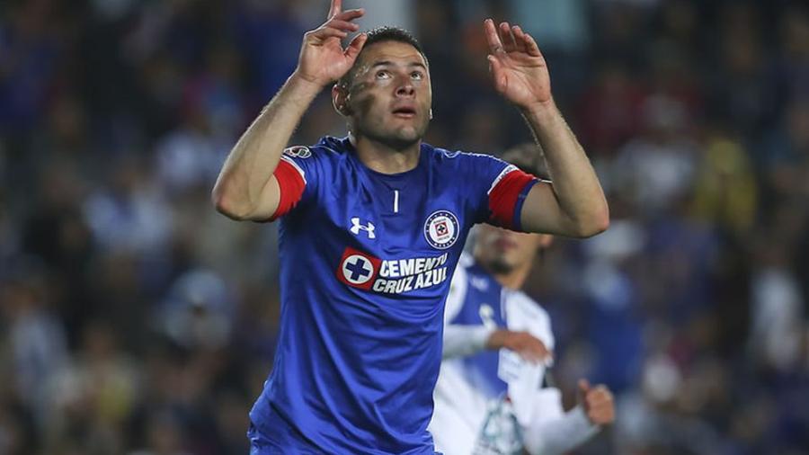 Pablo Aguilar sería considerado ante Pumas